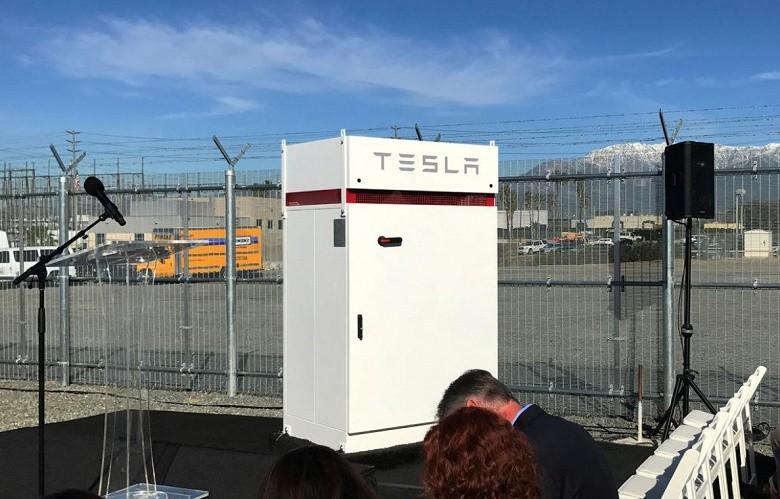 Electrify America установит на зарядных станциях для электромобилей аккумуляторные батареи производства Tesla