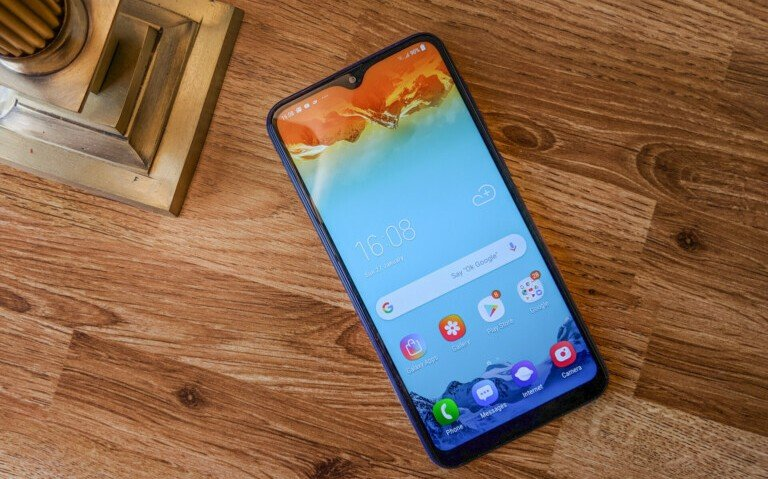 AMOLED за копейки: даже модель Samsung Galaxy A10, которой приписывают цену в 120 долларов, получит экран с органическими светодиодами